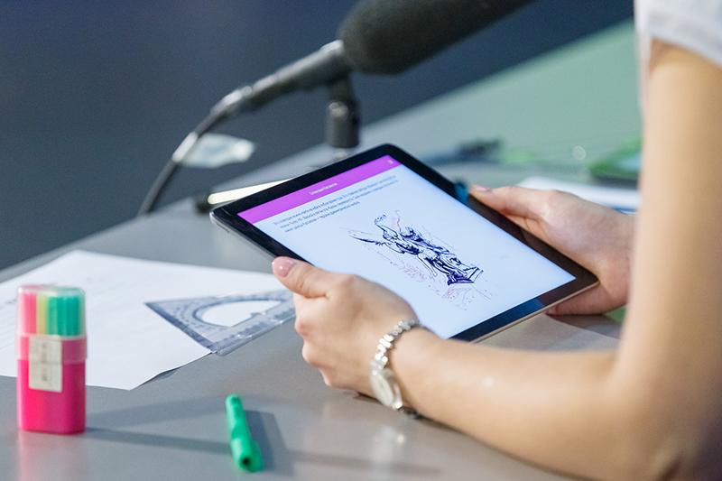 Обновление приложения для использования электронных учебников.